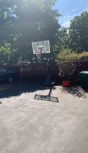 Basketball hoop for Sale in Portland, OR