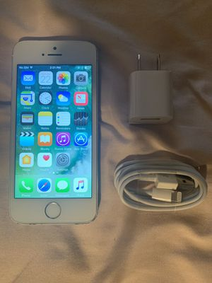 Unlocked iPhone 5s 16gb for Sale in Margate, FL