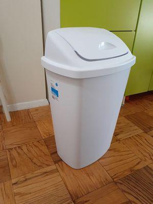Large swing-Top Wastebasket for Sale in Alexandria, VA