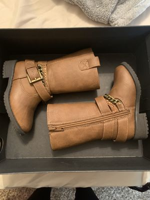 Kenneth Cole DANICA Girl Boots Size 5 for Sale in Houston, TX