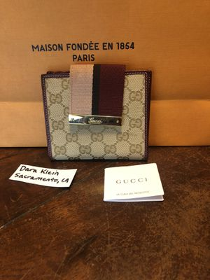 Gucci compact wallet for Sale in Sacramento, CA
