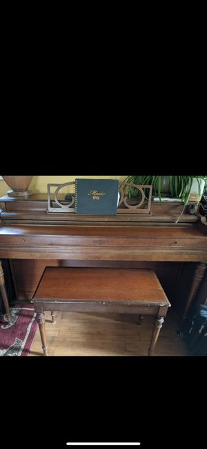 Cable Nelson UPRIGHT PIANO W/ Bench for Sale in Middletown, NJ