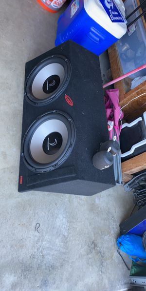 2 15inch diamond audio subwoofers with speaker box. for Sale in San Diego, CA