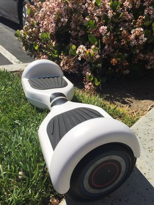 """6.5"""" matte white hoverboard with Bluetooth speaker for Sale in Montclair, CA"""