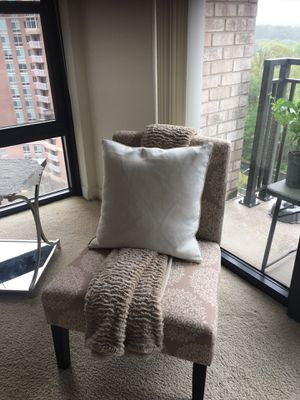 Chair for Sale in Arlington, VA