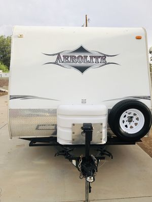 Rv travel trailer 2008 aerolite 24Ft for Sale in Laveen Village, AZ