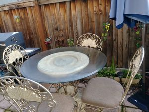 Glass dining table with 4 chairs for Sale in Brentwood, CA