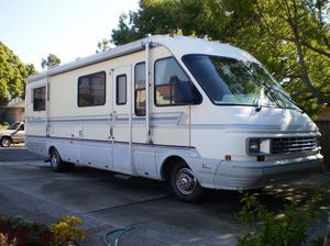 1991 31' National Dolphin Motorhome for Sale in Alameda, CA