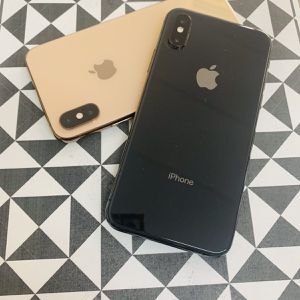 iPhone XS (64 GB) Desbloqueado Con Garantià for Sale in Cambridge, MA