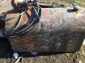 "100 Gallon Auxiliary Fuel Tank With Electric Pump 49"" x 23"" x 30"" Tall for Sale in Libertyville,  IL"