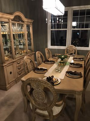 Dining room set for Sale in Woodinville, WA