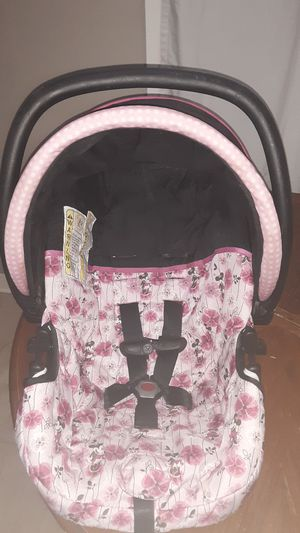 Minnie mouse carseat for Sale in Houston, TX