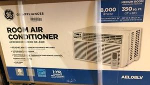 General electric 8000 btu window ac unit everything needs to go by wenddnesday for Sale in Seattle, WA