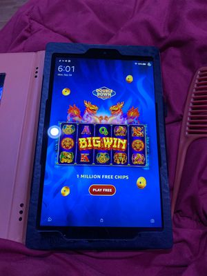 Kindle fire HD 10.1 2019 version for Sale in Berea, OH