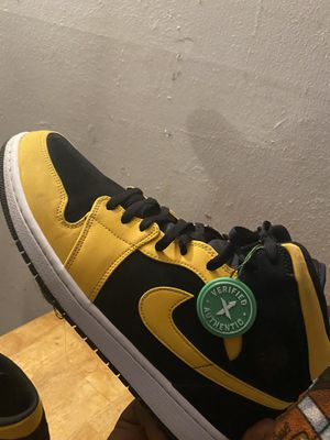 Air Jordan 1 (New Love Reverse) for Sale in Fresno, CA