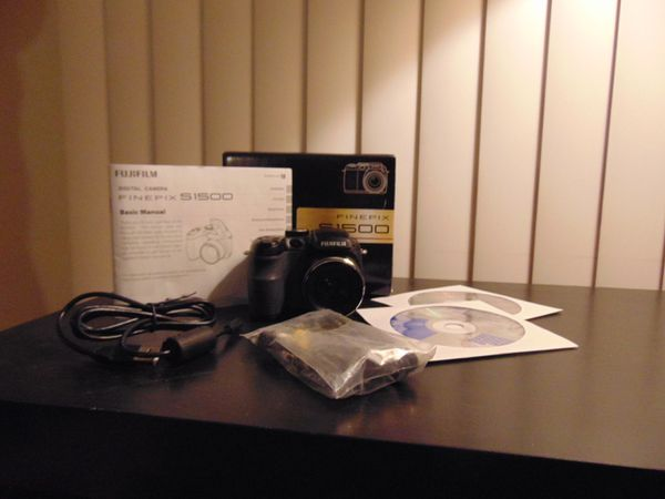 FujiFilm FinePix S1500 10mp digital camera, pre-owned