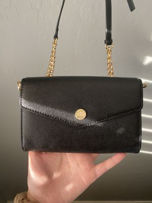 Michael Kors Crossbody Small Purse/Wallet for Sale in Peoria, AZ