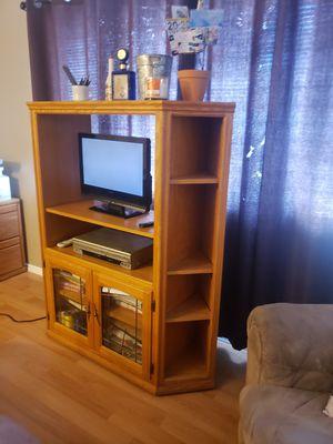 Free Oak TV Stand for Sale in Riverside, CA