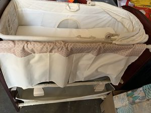 Bassinet for newborn baby for Sale in Long Beach, CA