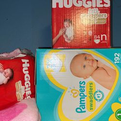 Pampers/ Huggies for Sale in Norco,  CA