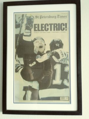 Tampa Bay LIGHTNING 04 Stanley Cup Champions professionally framed glass for Sale in Clearwater, FL