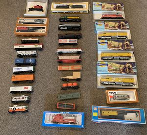 Vintage 1970's and Early 1980's HO Gauge Trains, Track, and Accessories for Sale in Carnegie, PA