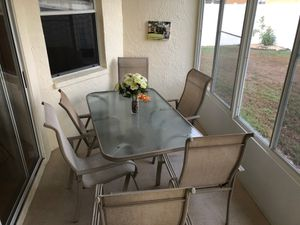 Chairs and table for Sale in Riverview, FL