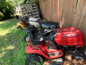 3 lawn mower s to good one parts 15and16 eng Troy bolt and Poulenc also club cadet Ltd All wings run need dozen for Sale in Gibsonton, FL