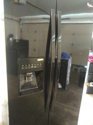 Appliances 4 Item Deal All Black Whirlpool for Sale in Stockton, CA