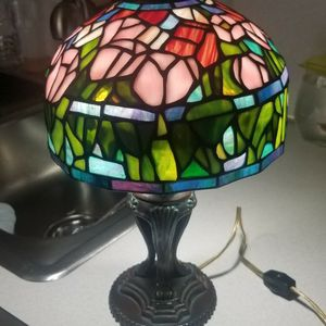 Beautiful Table Lamp Stained Glass Tiffany Style for Sale in Miami, FL