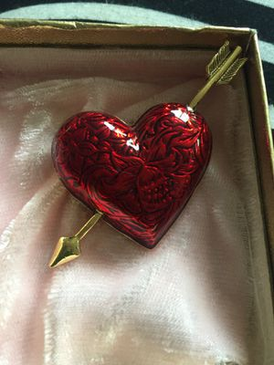 Heart brooch free to you for Sale in Germantown, MD