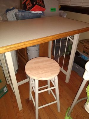 Island table. for Sale in Morris, IL