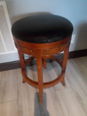 "One 24"" bar stool for Sale in Snellville, GA"