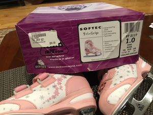 Softer ice skates. Size 1.0 pink rose. Child / infant for Sale in Walpole, MA