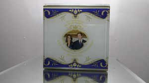 Jewellery Trinket Box Commemorating Royal Wedding Prince William to Catherine Middleaton for Sale in Chicago, IL