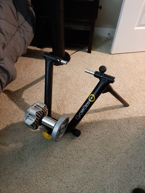 Cyclops Fluid2 Bicycle Trainer