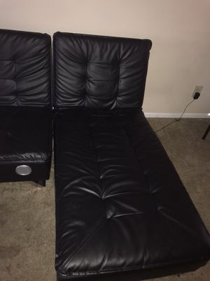 Bluetooth couch come with speakers on it for Sale in Columbus, OH