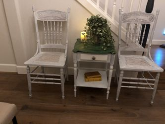 Two lovely vintage antique solid wood side accent chairs and table for Sale in Mill Creek,  WA