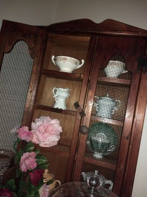 Antique wood decorative cabinet for Sale in Pickerington, OH
