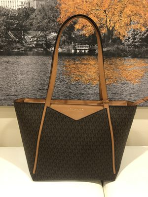 Never worn Michael Kors large Whitney tote bag for Sale in Houston, TX