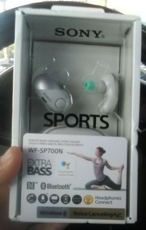 SONY WIRELESS EARBUDS WF-SP700N W/NOICE CANCEL & EXTRA BASS + WATERPROOF for Sale in Chino Hills, CA