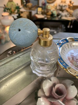 Small antique perfume bottle for Sale in Waynesboro, PA