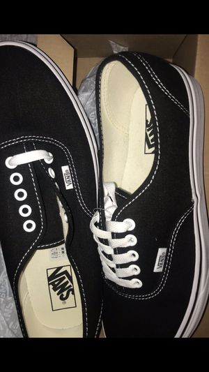 NEW CLASSIC CANVAS VANS MENS SIZE 10 for Sale in Huntington Beach, CA