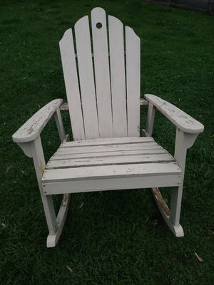Solid wood andoronyck patio chair is ready to be picked up for Sale in Sterling Heights, MI