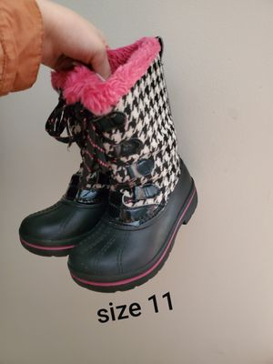 Size 11 toddler girls boots for Sale in Menasha, WI