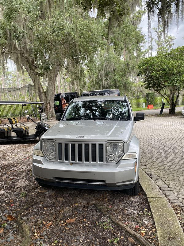 JEEP LIBERTY LOW MILEAGE GREAT FAMILY CAR