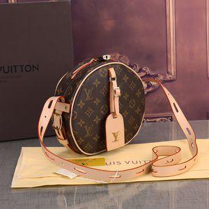 Louis Vuitton LV for Sale in Centreville, VA
