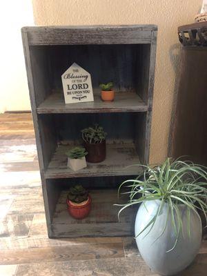 Mesa de adorno for Sale in Moreno Valley, CA