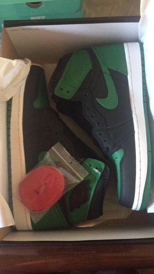 Jordan 1 Pine Green size 7.5 for Sale in San Diego, CA