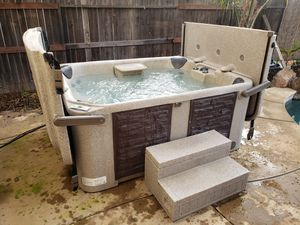 Eco-spa hard cover hot tub for Sale in Elk Grove, CA